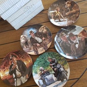 Set of 5 Indiana Jones collector plates 🦉